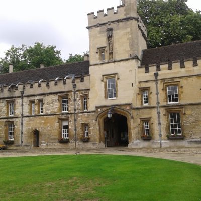 St Jones College